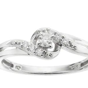 Jewelry - ✨Real Diamond & Sterling Silver Ring